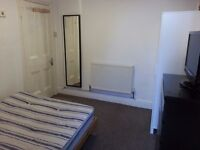 NICE DOUBLE ROOM TO RENT ON CORPORATION ROAD - £350 ALL BILLS