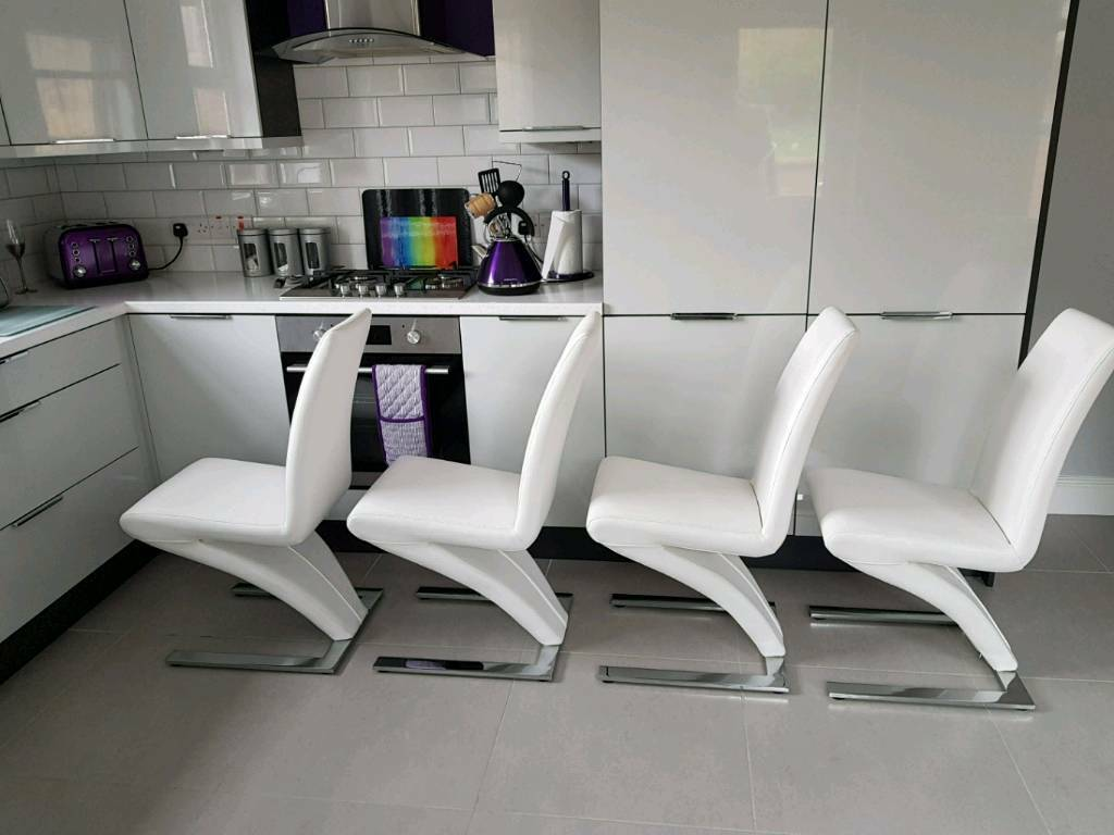 4 White Z Style Dining Chairs