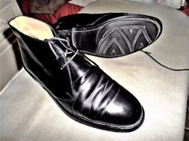 EXCLUSIVE - BEAUTIFUL - BURBERRY BLACK LEATHER CHELSEA ANKLE SHOES - SIZE 8.5 - 43 - FREE POSTAGE