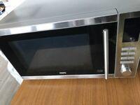 DeLonghi 900w E Microwave
