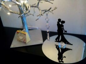 Mirror plates and table decoration