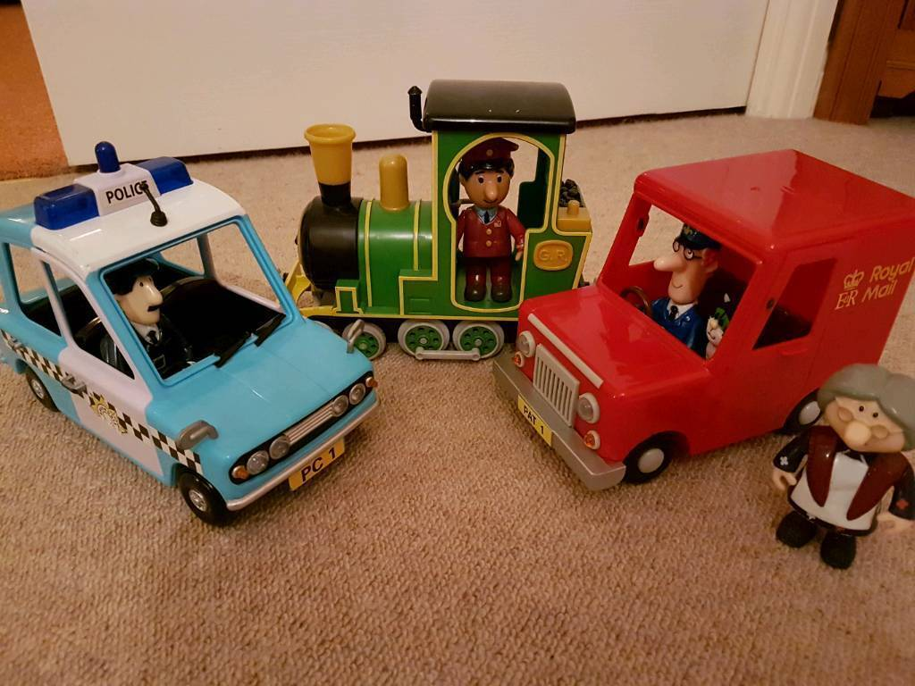 Postman Pat 3 Vehicle Friction set - complete with 5 characters and 2 road signs
