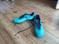Nike football boots size 6 excellent condition