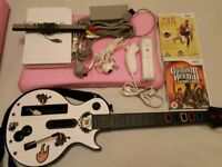 Consola Nintendo Wii, accessories and 2 Games.