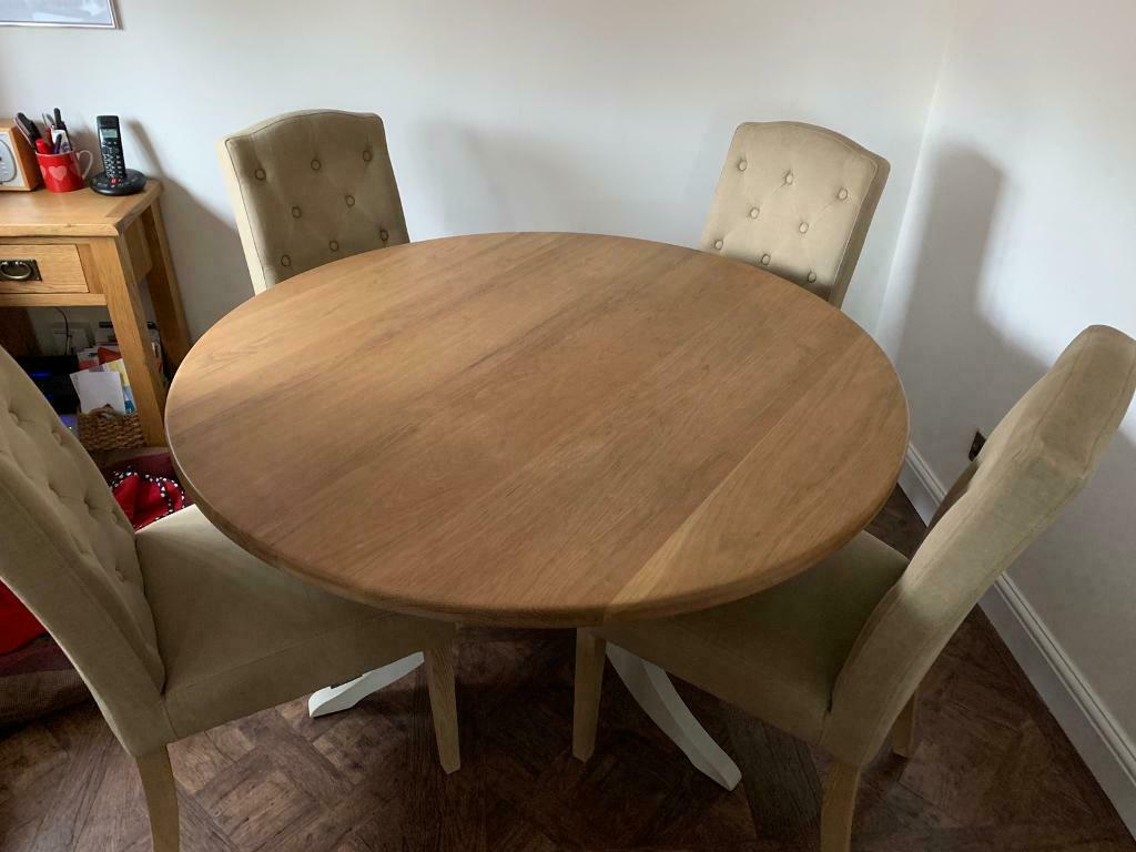 john lewis round dining table and 4 chairs  in welwyn
