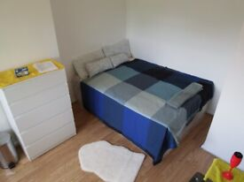 HUGE DOUBLE ROOM IN WHITE HART LANE - 1 MIN STATION