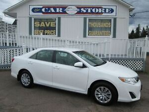 2014 Toyota Camry LE ONLY 57,000 LOW KMS!! BLUETOOTH!! MP3!! USB