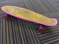 Mini cruiser skateboard (Penny style)