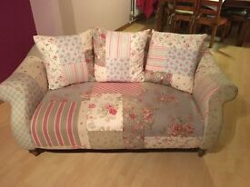 DFS Pillow back midi sofa