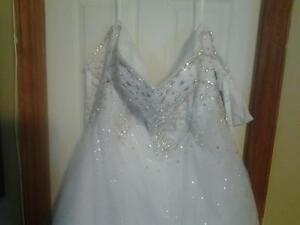 wedding dress St. John's Newfoundland image 1