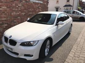 BMW 320i M-Sport Highline in white with Red Dekota Leather