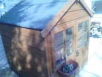 CHILDS OUTDOOR WOODEN PLAYHOUSE