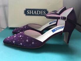 Wedding shoes. Size 5.