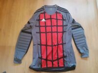 New ltd edition retro Adidas padded goalkeeper top medium