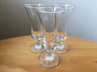 3 vintage clear sherry glasses. £2.50 the lot.