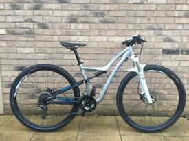 Specialized Rumor Women's Mountain Bike - Virtually New! Rrp £1500