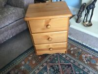 """Three (3) Drawer Pine Chest of Drawers / Bedside Cabinet H23""""/58cm W17.5""""/45cm D14.5""""/37c"""