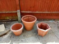 ASSORTED PLASTIC TERRACOTA COLOURED GARDEN POTS