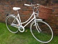 Ladies vintage 1982 Raleigh caprice bike great condition