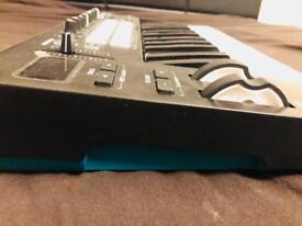 Novation Lanchkey 25 mk2