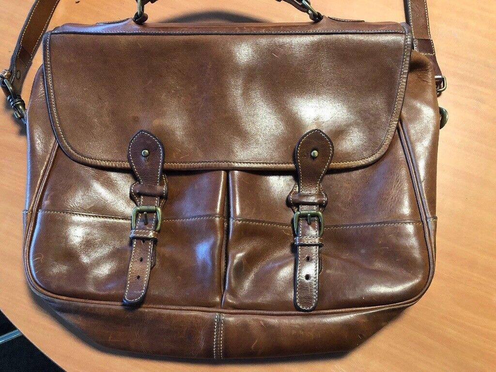Vintage tusting & Burberry bags