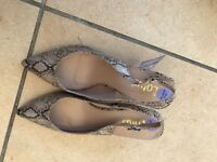 New size 6 Lotus Snakeskin style shoes