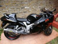 Suzuki GSXR 1300 Hayabusa. BLACK/GOLD Perfect Condition for Age!