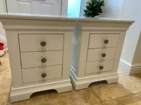 2 White Bedside Cabinets