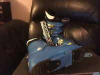 Junior Lange ski boots size 22.5