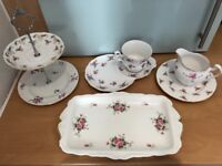Vintage roses tea set