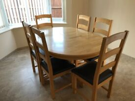 Extending Dining Table and 6 Chair