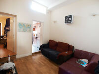 A bright 2 double bedroom flat with a large private patio clsoe to Finsbury Park & Archway tubes