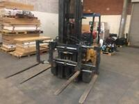 2.5 ton caterpillar gas fork lift with 4 forks