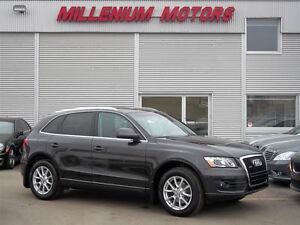 2010 Audi Q5 3.2 QUATTRO PREMIUM / LEATHER / SUNROOF / LOADED