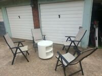 garden set 4 chairs and 1 small table you can use in your garden or in your balcony good condition