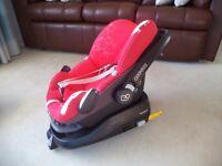 Maxi-Cosi Pebble Car Seat AND FamilyFix Isofix Base