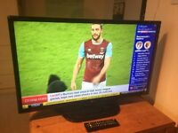 32 inch 1080p LG LED TV. Hardly used, in perfect condition with original box. LG 32LN5400