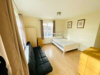 ***WOW PART DSS IS OK, 4 BEDROOM FLAT/ TOOTING/ **BALCONY**WOW***4 BED FLAT TOOTING BEC****