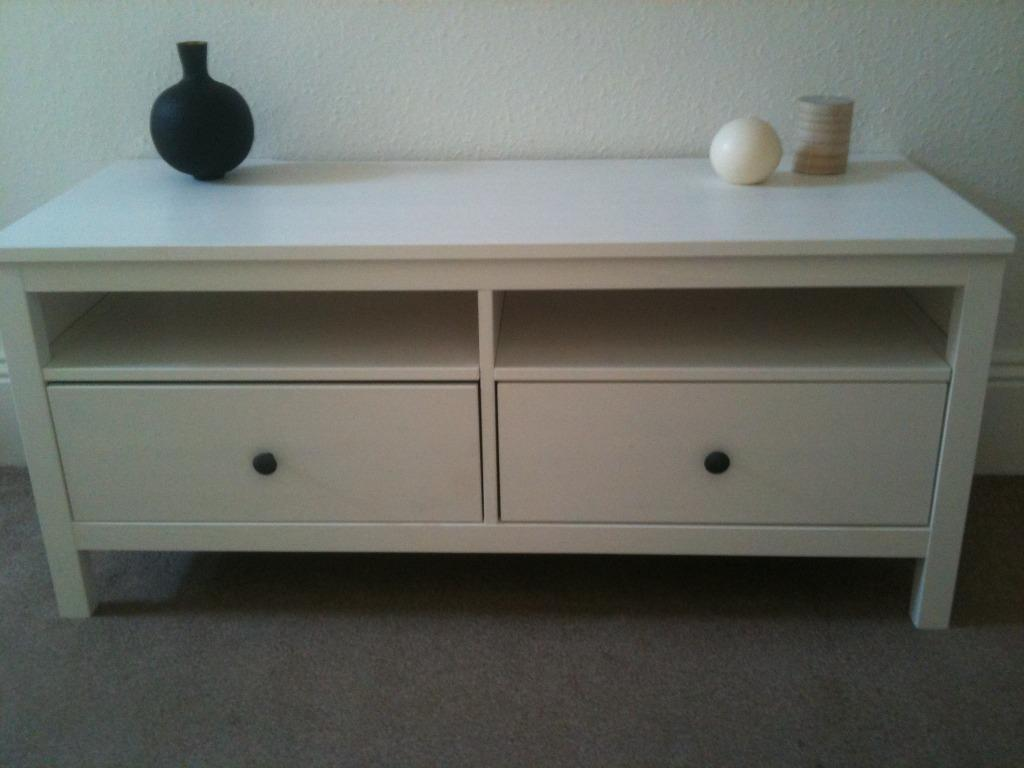 Ikea Hemnes TV stand White and completely unmarked Reasonable Offers