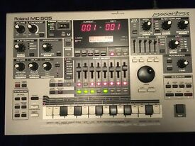 Roland MC 505 groove box in excellent condition