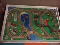 Train table with 300+ pieces/accessories DISCOUNTED**
