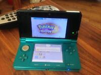 Nintendo 3DS with installed 3D Pokémon Sun (no boxes) with Charger