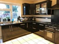 Black Gloss Kitchen Units