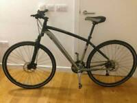 Great Specialized Crosstrail double disc and suspension 52cm Hybrid bike