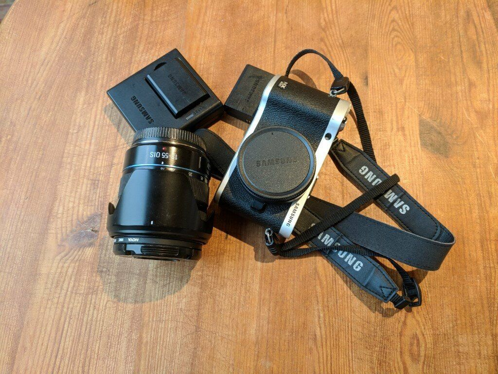Samsung NX300 mirrorless camera + extra battery and