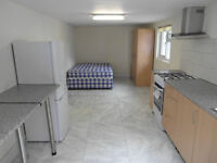 Studio flat for rent in Southall