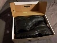 Black work boots - size 9