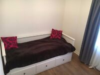 Double Room Available in Stenhouse