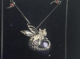 Stunning Swarovski passenger cat necklace