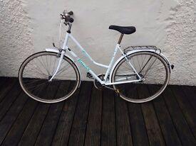 Retro Women's Bicycle – Bargain